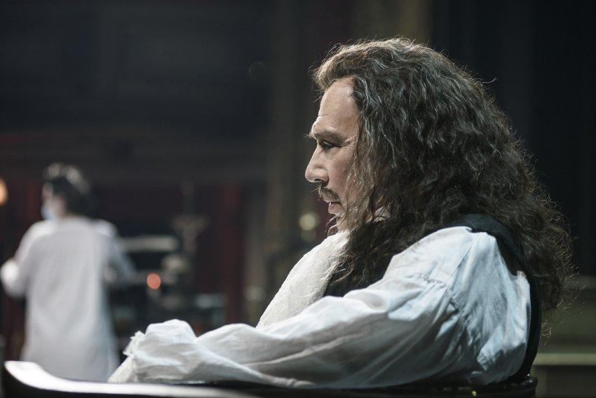 Live Streaming: «Μολιέρος» του Μιχαήλ Μπουλγκάκοφ σε σκηνοθεσία Στάθη Λιβαθινού – Ζωντανά από την Κεντρική Σκηνή: Σάβ. 6 Φεβ., 19:30